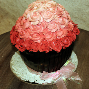 Happy Belly Bakes- Giant smash cake