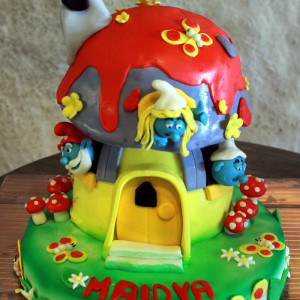 Happy Belly Bakes- Smurfs theme birthday cake