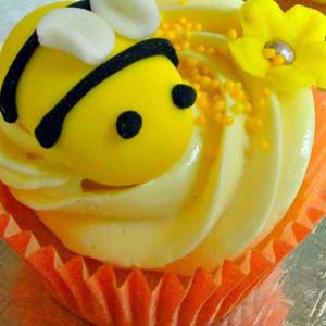 cupcakes, Ms K Cupcakes- Bumble Bee theme cupcake