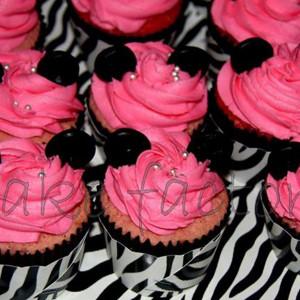 PnP Cakes- Oreo cookie cupcake cake
