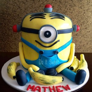 Do-It-Sweet-Minion theme Cake