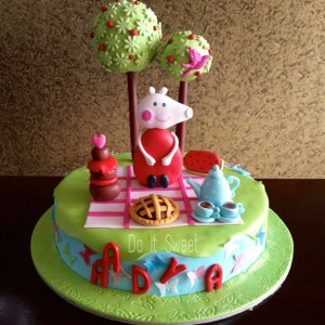 Do It Sweet- Peppa Pig theme cake
