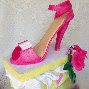 Paaliz Cake Art- Stiletto Designer Fashion Birthday Cake