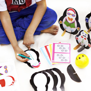 DingDong box - Penguin DIY Activity Box