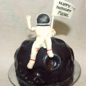 Great Escake Astronaut Cake