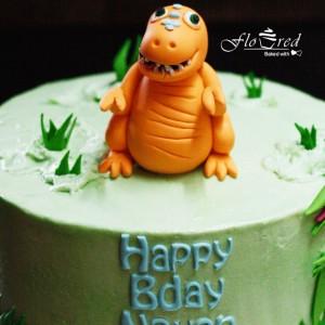 Floured-Dinosaur-Themed-Cake