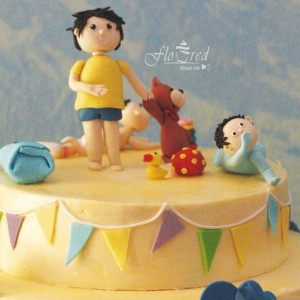 Floured-First-Birthday-Cupcake