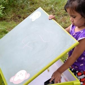 Kids_room_chalkboard playtable-1