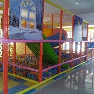 Playtopia kids play area play maze