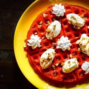 Dessert_Monkey_Bar_red velvet_waffle