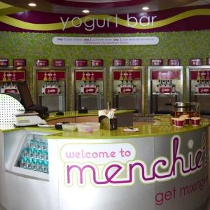 Menchies_interiors