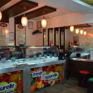 Pabrai's_Fresh_n_naturelle_icecreams_interiors