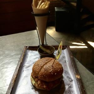 Kid_Friendly_Restaurant_Monkey_Bar_05