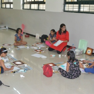 Kids Learning Art and Painting at Creative Minds