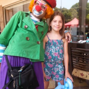 Clown Entertaining Kids