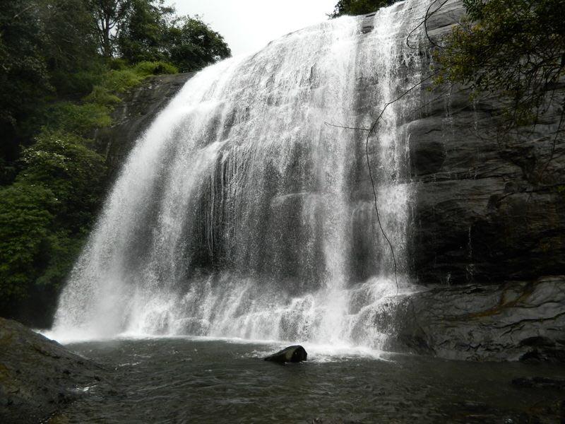 coorg_chelavara_waterfalls