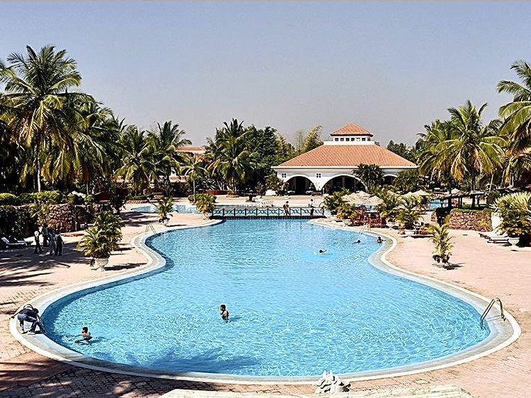 resort_golden_palms