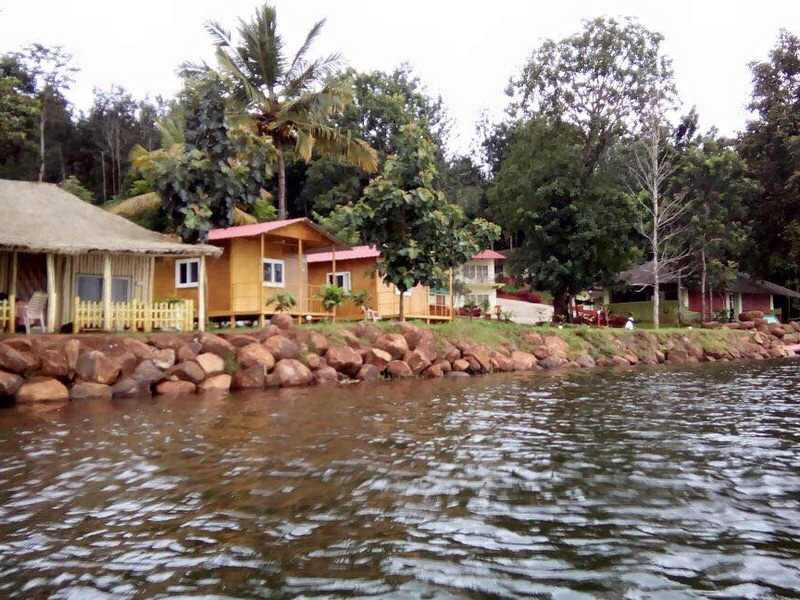 resort_coorg_lagoon