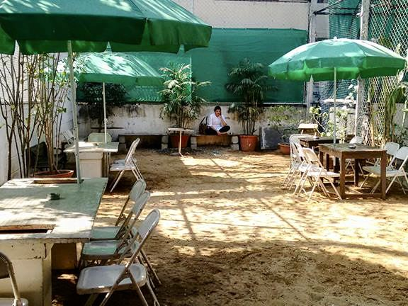 cafe_courtyard