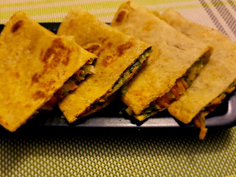 pesto-cheesy-veggie-quesadilla