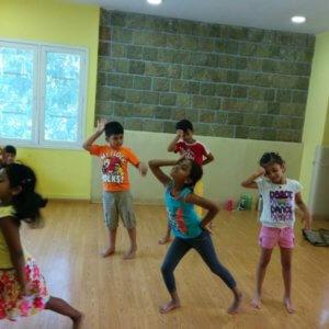 arcastra_driblling_panda_dance_session_kids