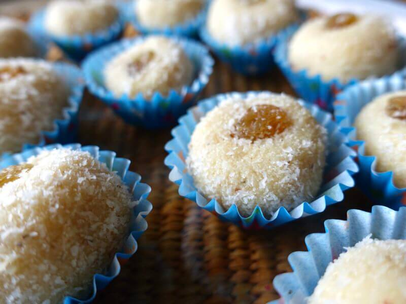 diwali_recipe_coconut_laddoos