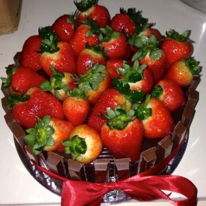 Cookies- Strawberry Cookies Basket Cake