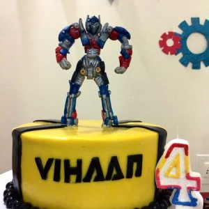 Sweet petal Cakes- Transformers theme Birthday cake