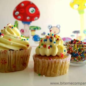 Bite Me Cupcakes- Vanilla cupacke