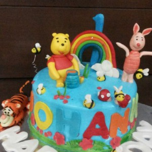 Cake Toppers Winnie the Pooh Cake