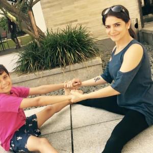 PurawVida Yoga bonding with kids
