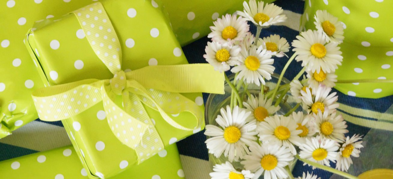 15 budget-friendly Return Gift Ideas Cover Image