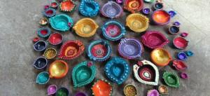 hand painted diwali diyas