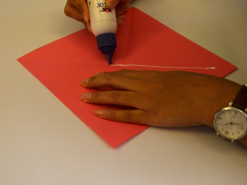 How To Make Paper Kites - Even The 'Sticks' Are Just Paper & Tape! | 600x800