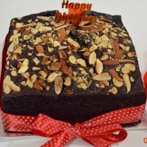 Sweet Tooth Chocolate Nutty Cake