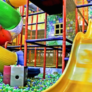 Ball Pool at Madagascar Kids