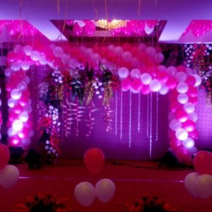 Pink and White Balloon Backdrop