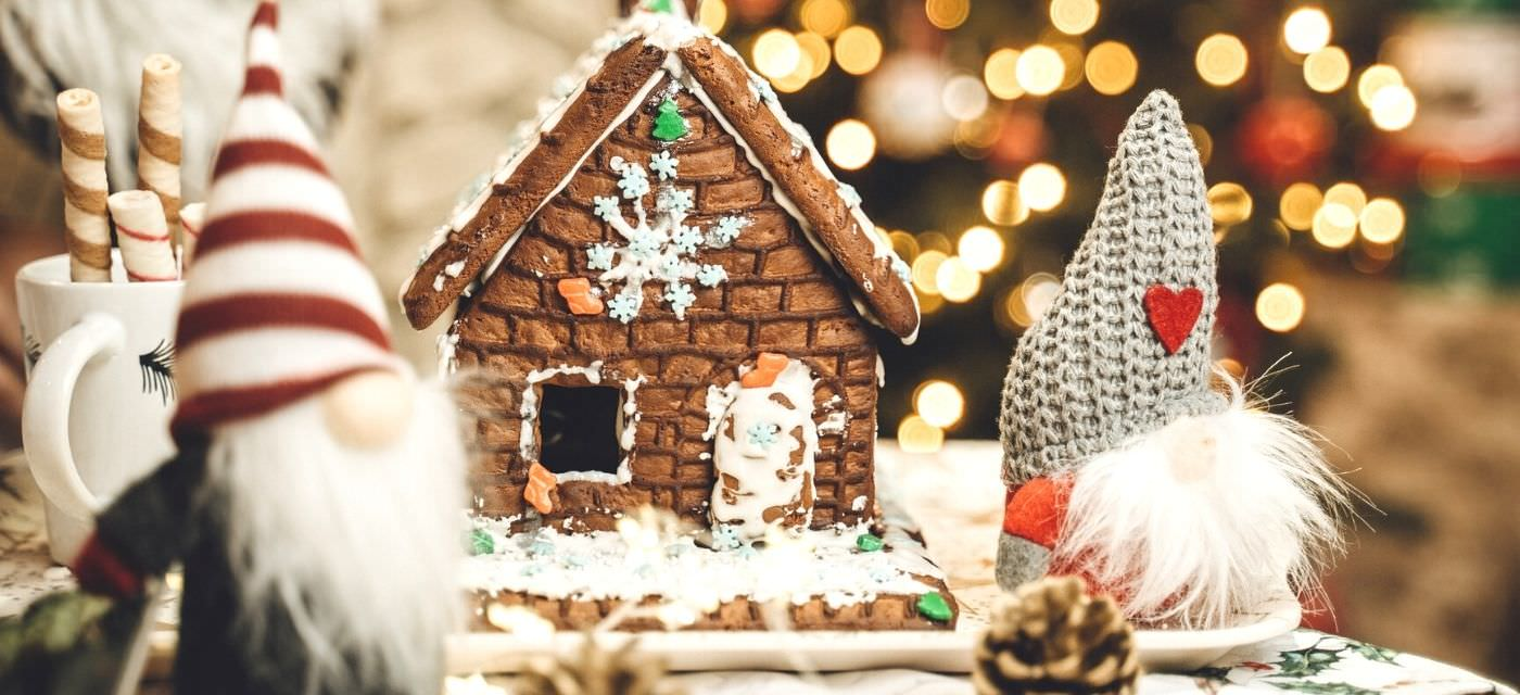Order authentic Christmas treats from these wonderful Bangalore bakers! Cover Image