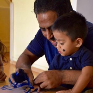 Dad and child activity at Mommy and me with Su