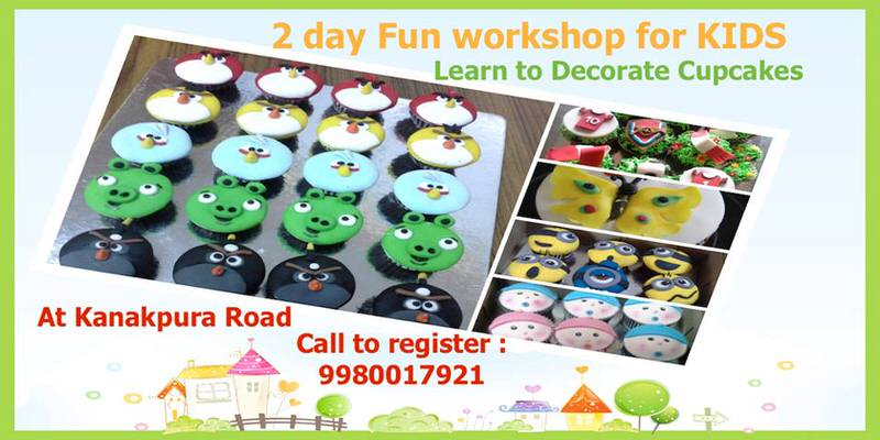 Learn to Decorate Cupcakes Cover Image