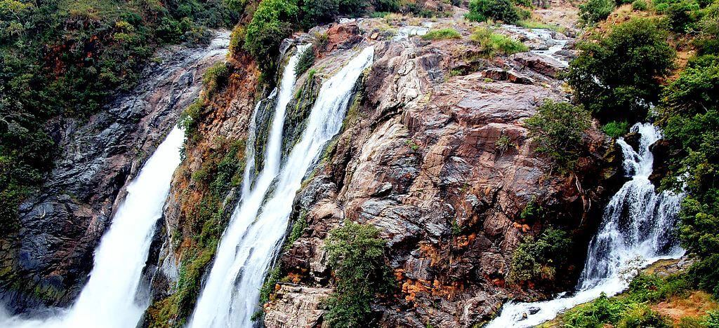 10 Waterfalls near Bangalore that your kids will adore Cover Image