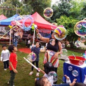 Kids enjoying the Bubble Show