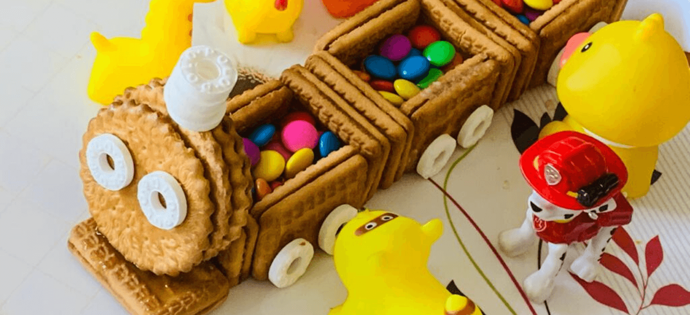 Mr.Biscuit: A Deliciously Creative DIY Toy Train Cover Image