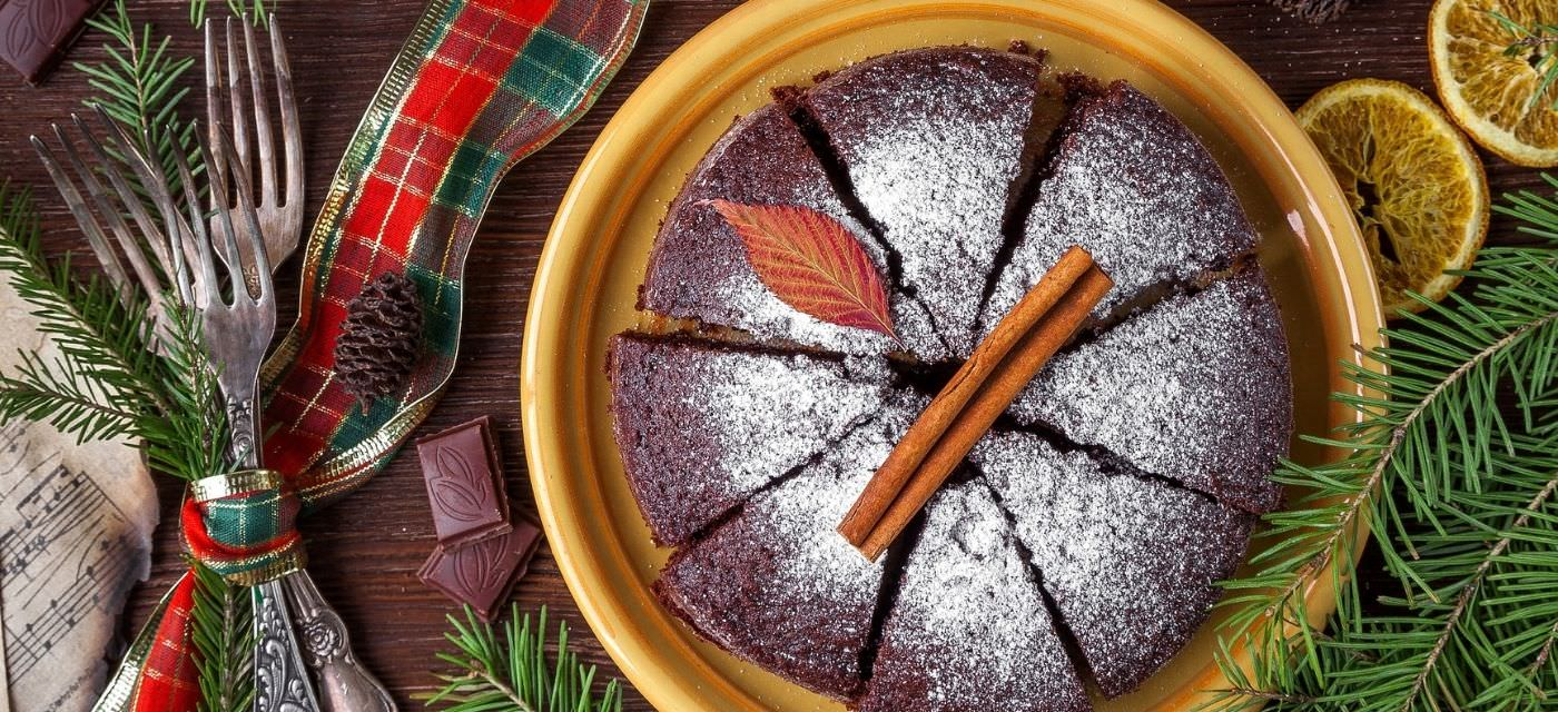 6 Places for Christmas Cakes and Treats in Bangalore Cover Image